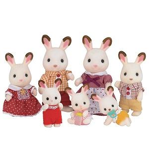 La famille lapin chocolat s'installe au village